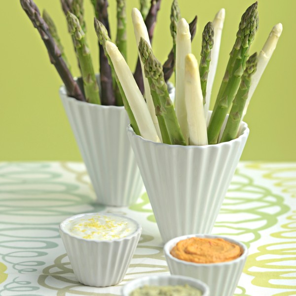 Asparagus Crudité with Dill, Hummus and Pesto Dip